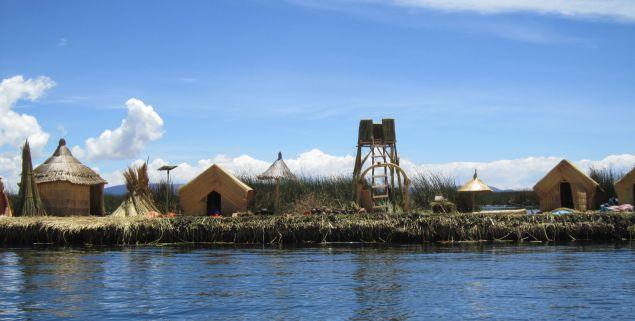 Titicacasee, Los Islas Flotantes