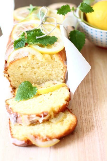 Eine Scheibe Zitronenkuchen