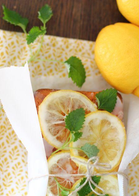 Zitronenkuchen macht lustig