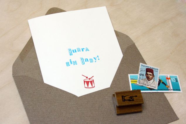 Hurra ein Baby Grußkarte von small caps