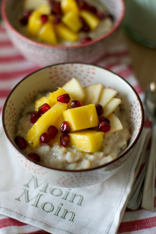 sonsttags - Mango-Porridge mit Granatapfel